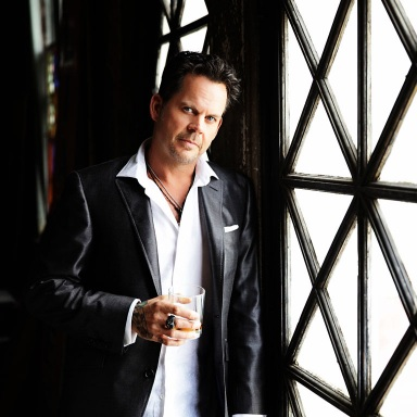 """GARY ALLAN RELEASES HAUNTING NEW VIDEO FOR """"IT AIN'T THE WHISKEY"""""""