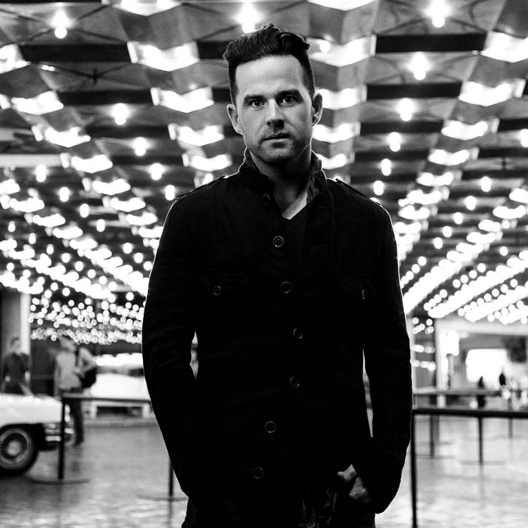 "DAVID NAIL'S ""WHATEVER SHE'S GOT"" GOES NO. 1"