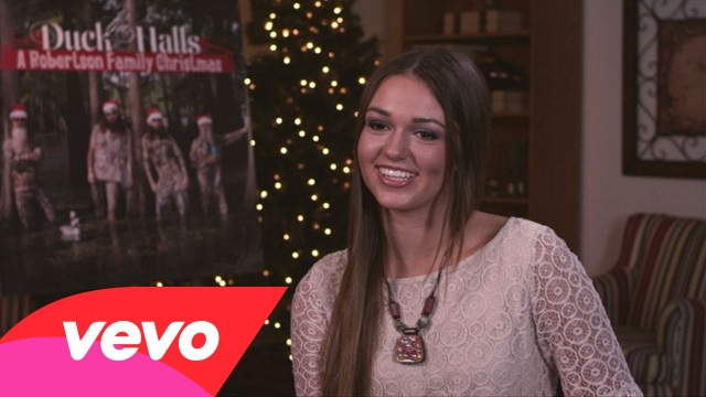"The Robertsons – The Story Behind ""Santa Looked A Lot Like Daddy"""