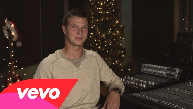 """The Robertsons – The Story Behind """"Camouflage And Christmas Lights"""""""
