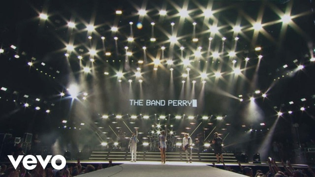 The Band Perry – Comeback Kid (Live From The Honda Stage At Battle At Bristol)