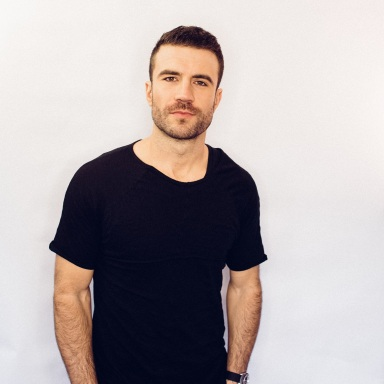 SAM HUNT ANNOUNCES HEADLINING 15 IN A 30 TOUR WITH MAREN MORRIS, CHRIS JANSON AND RYAN FOLLESE