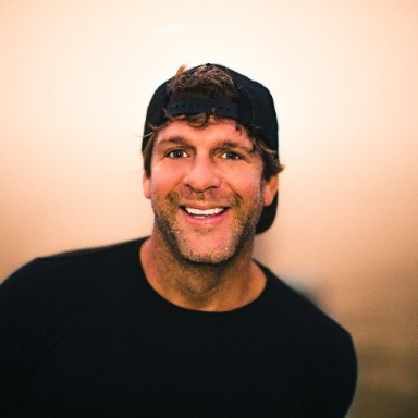 BILLY CURRINGTON WANTS TO STAY UP 'TIL THE SUN ON HIS NEW TOUR