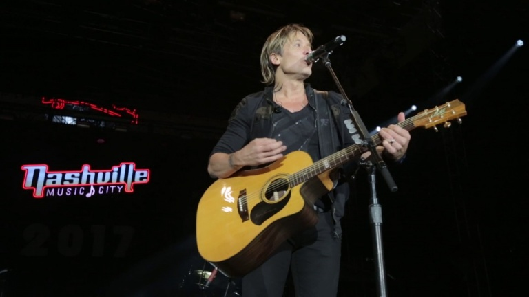 Keith Urban's 2016 Artists Tribute – New Year's Eve