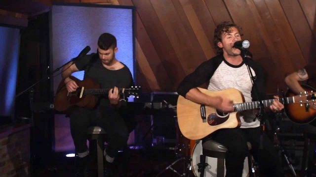 Brandon Lay – Never Look Back Town (Sound Stage Sessions)