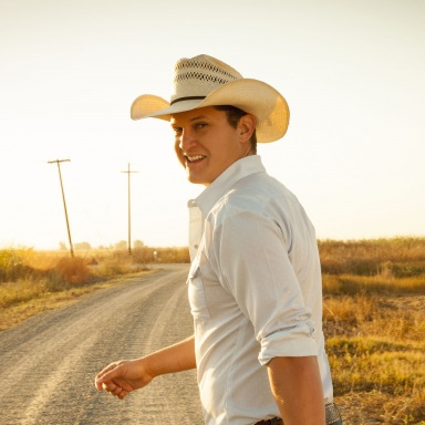 "JON PARDI SCORES SECOND No. 1 WITH ""DIRT ON MY BOOTS"""