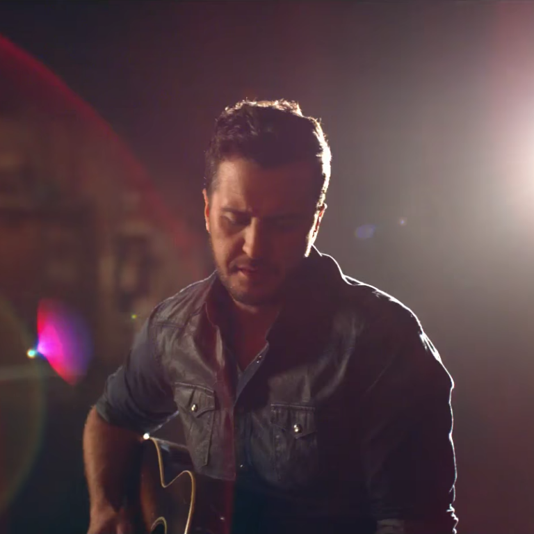 """Luke Bryan Releases Personal New Music Video for """"Fast"""""""