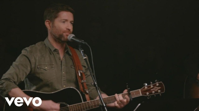 Josh Turner – Where The Girls Are (Live/Acoustic)