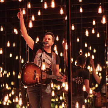 LUKE BRYAN MAKES BILLBOARD CHART HISTORY AS KILL THE LIGHTS BECOMES FIRST ALBUM IN 27 YEARS TO PLACE SIX SINGLES AT No. 1