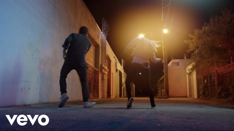 Keith Urban – The Fighter (Dancers Version) ft. Carrie Underwood