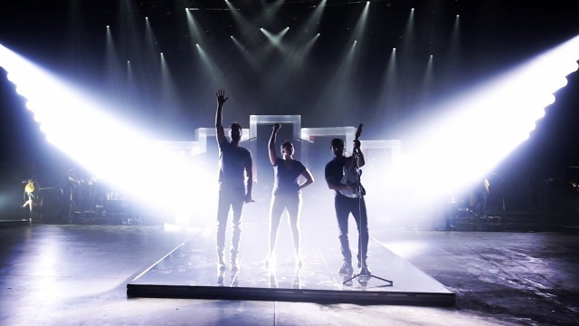 Behind the Scenes of Lady Antebellum's You Look Good World Tour