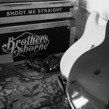 "BROTHERS OSBORNE RELEASES NEW TRACK ""SHOOT ME STRAIGHT"" FROM FORTHCOMING SOPHOMORE ALBUM"