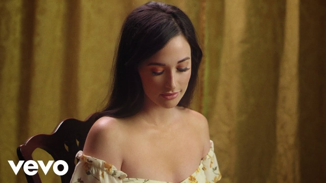 Kacey Musgraves – Mother (Official Music Video)