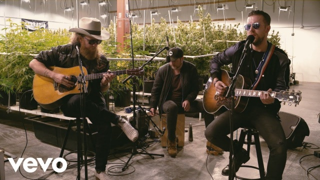 Brothers Osborne – Weed, Whiskey And Willie (Terrapin Care Station Sessions)