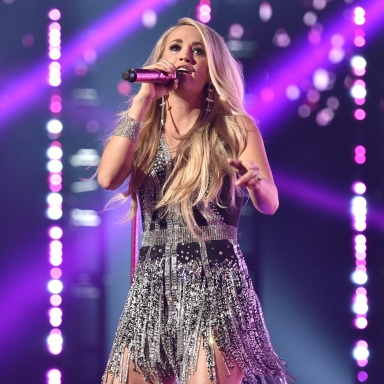 CARRIE UNDERWOOD SHARES CRITICALLY ACCLAIMED CRY PRETTY WITH THE WORLD